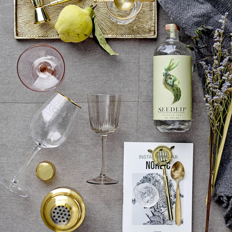 Cocktail shaker fra Bloomingville i guldfarvet rustfrit stål
